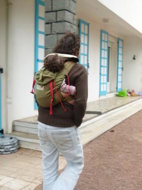 Storchenwiege Babycarrier – Papotages autour du portage a1aeefdd0b1