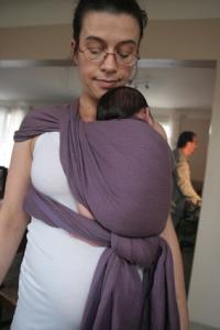 Kangourou hanche avec un nouveau né ( écharpe tissée Didymos Lisca Sambuco taille 5 )